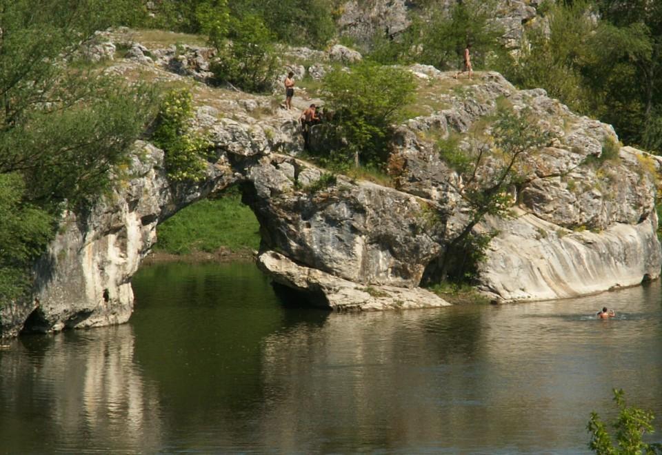 Село Ъглен – Скалната Арка