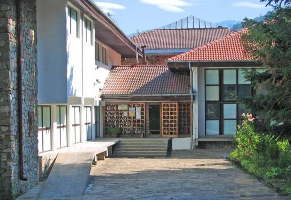 Природонаучен музей – с. Черни Осъм