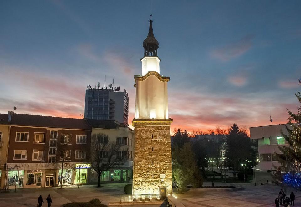 Часовникова кула – Ботевград
