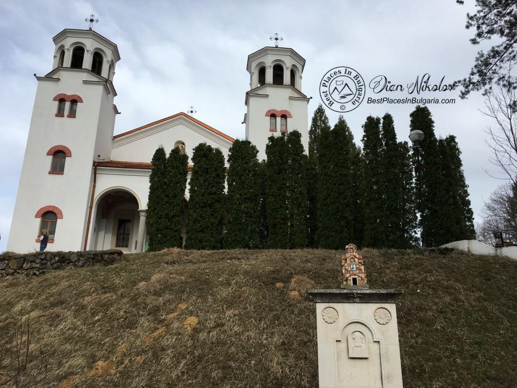 klisurski-monastery-near-the-village-of-barzia-00