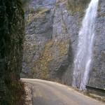 buynovsko gorge - the road through the gorge