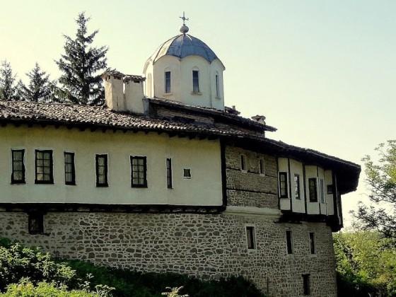 """Къпиновски манастир """"Св. Никола"""" – Велико Търново"""