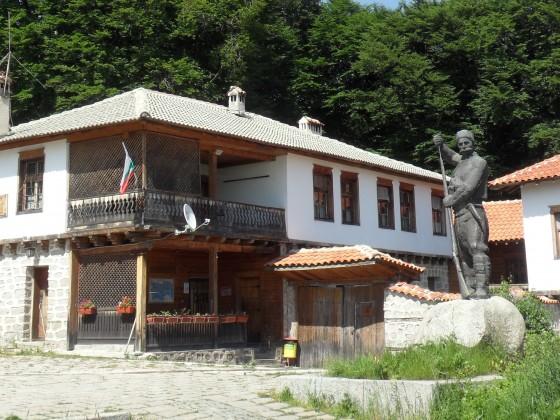 """Туристически възпоменателен комплекс """"Бунтовна"""" – с. Кръстевич"""