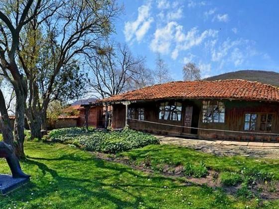 "Къща – музей ""Йордан Йовков"" – Жеравна"